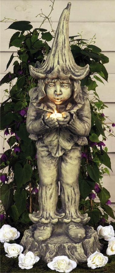 Gartenfigur 'Lichtertroll': Antikisierter, frostfester Steinguss. - gefunden auf www.country-garden.de