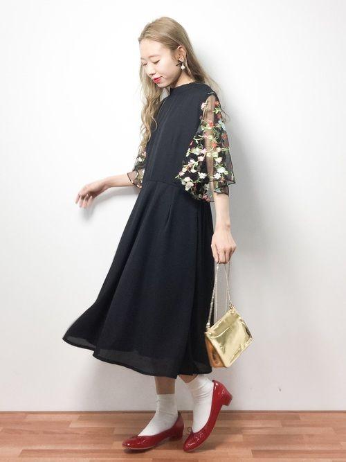 りっぴーさんの「花刺繍レーススリーブワンピース5949(merlot plus)」を使ったコーディネート