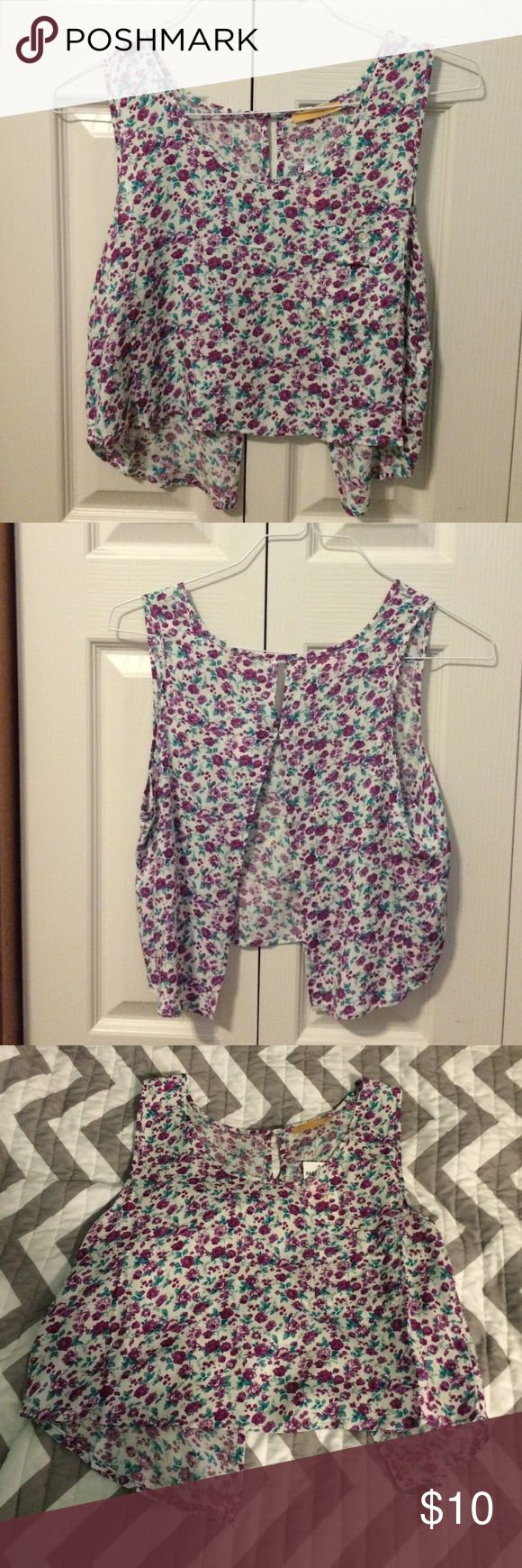 Ragstock Cropped Loose Tank Top Light floral material with an open back, never worn. YMI Tops Tank Tops