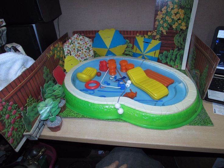 VINTAGE EMPIRE POOL & CABANA PLAYSET W ACCESSORIES FITS BARBIE IN BOX PIC