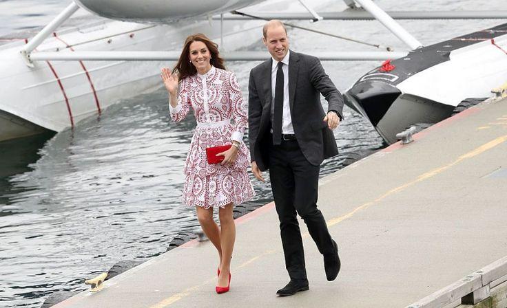 Beau Monde | Kate draagt rode schoenen, royaltywatchers in shock