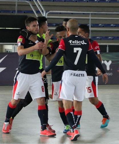 #DeportivoSaeta, en un juego de alto nivel, derrotó 2-1 a #DeportivoLyon. Con este resultado se clasificó por primera vez a la fase final. #FútbolRevolucionado