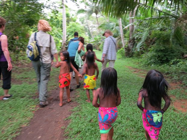 Explore with the locals on the #Panama Adventure #Cruise aboard small ship Discovery