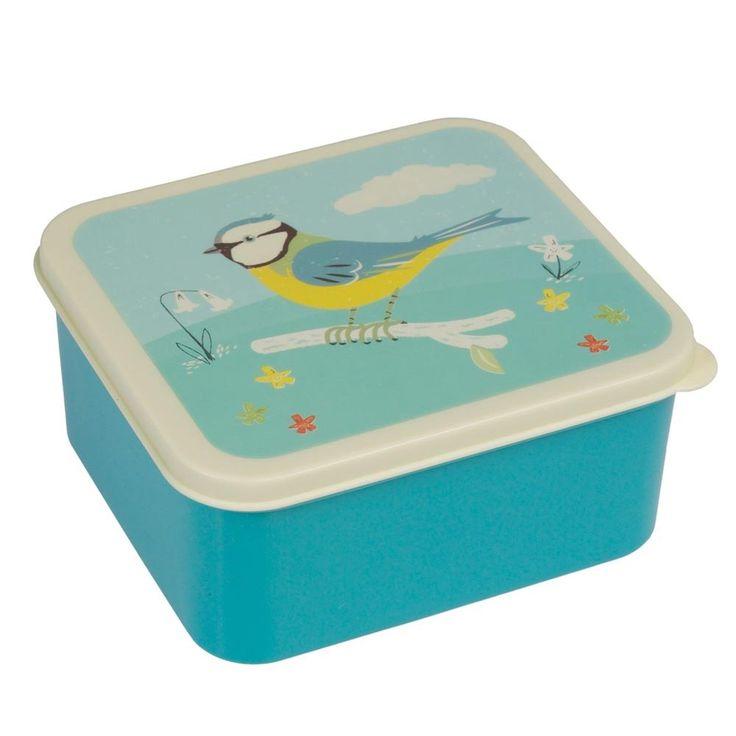 Une jolie petite mésange décore cette boîte à goûter signée Rex. Cette lunchbox ne passe pas au micro-ondes...mais passe au lave-vaissellle à faibles températures. D: 15 x 14 x 7 cm. Matériau: plastique. 8,00 € http://www.lafolleadresse.com/accessoires-de-cuisine/2217-boite-a-gouter-mesange.html