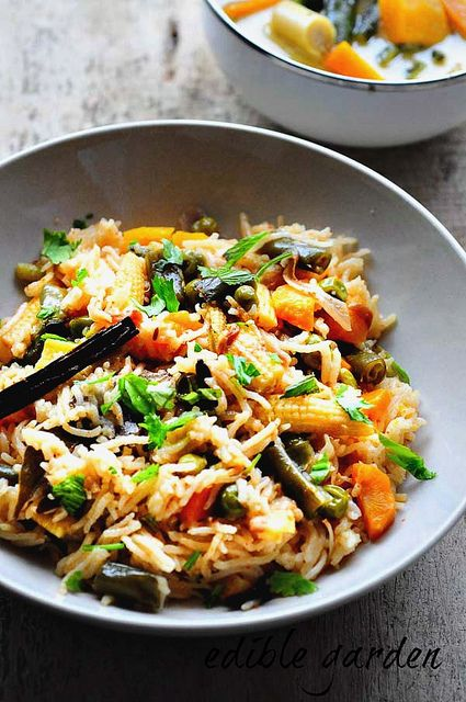 Vegetable Pulao Recipe - How to make Veg Pulao in Pressure Cooker