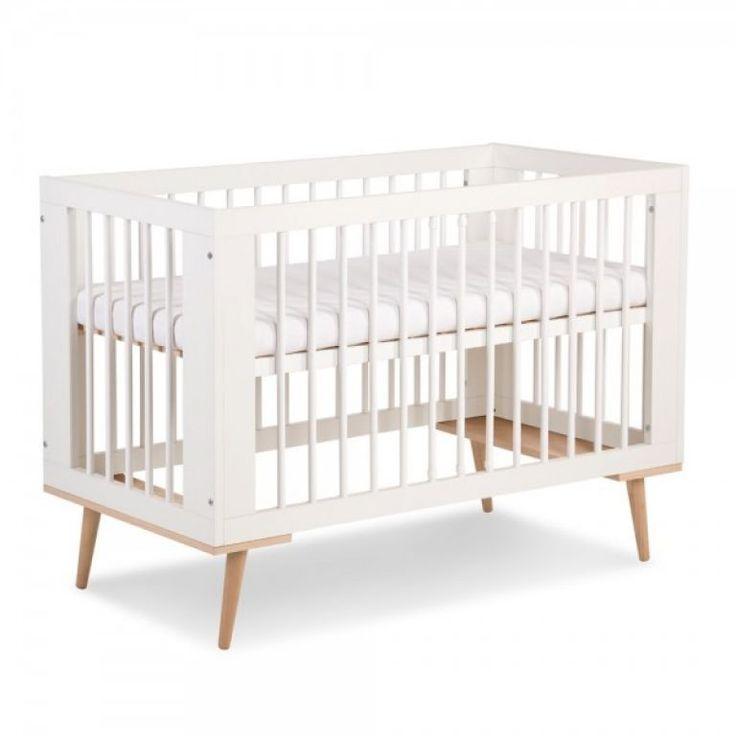 Stylowe łóżeczko SOFIE jest uwielbiane przez rodziców.  Styl retro połączony z nowoczesnym prostym designem. <3  mamaania.com.pl