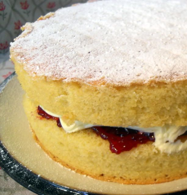 The English Kitchen: Traditional Victorian Sandwich Cake