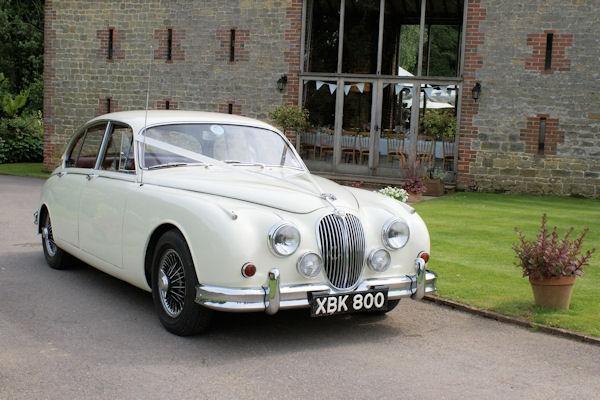 limos are so cliché. get individual and rent a vintage car #weddingcar #vintageglam #1959jagMKII