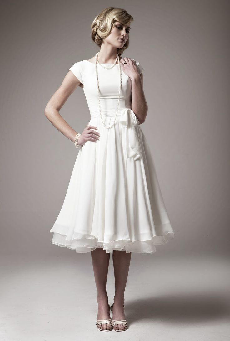 Best 25 Casual wedding dresses ideas on Pinterest  Casual bridesmaids gowns Vestido de seda