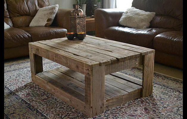 Cooler Tisch aus altem Bauholz...