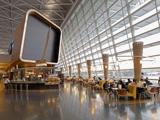 Un altro degli #aeroporti più belli del mondo si trova in Svizzera. A Zurigo. Che te ne pare?