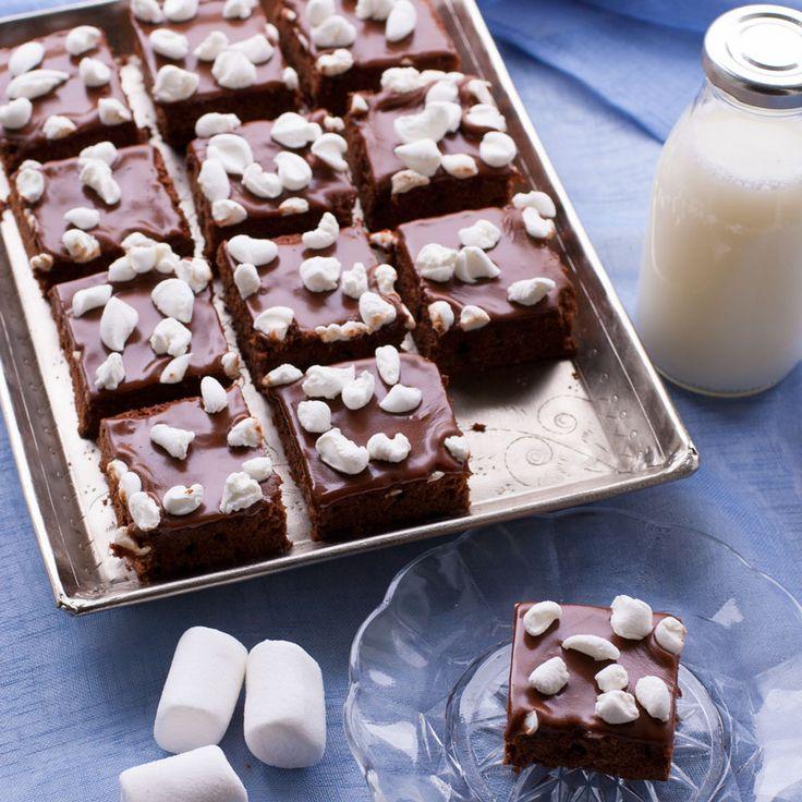 En lättbakad glutenfri marshmallowbrownie för de riktigt sötsugna.