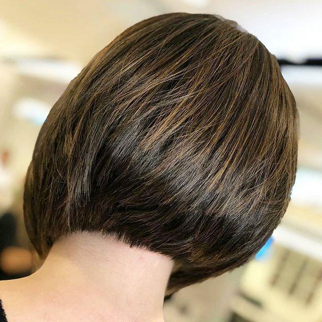 64 Beste Bob Frisuren Stufig Hinterkopf In 2020 Haarschnitt Bob Bob Frisur Haarschnitt