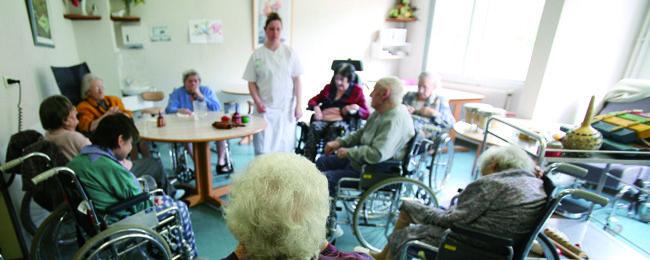 L'hôpital Émile-Roux, à Limeil-Brévannes, accueille des personnes âgées dépendantes dans des conditions de plus en plus dégradées.