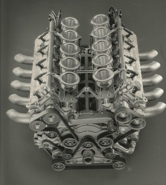 Alfa Romeo 3.5 V10 engine, 1988 Maintenance of old vehicles: the material for new cogs/casters/gears/pads could be cast polyamide which I (Cast polyamide) can produce