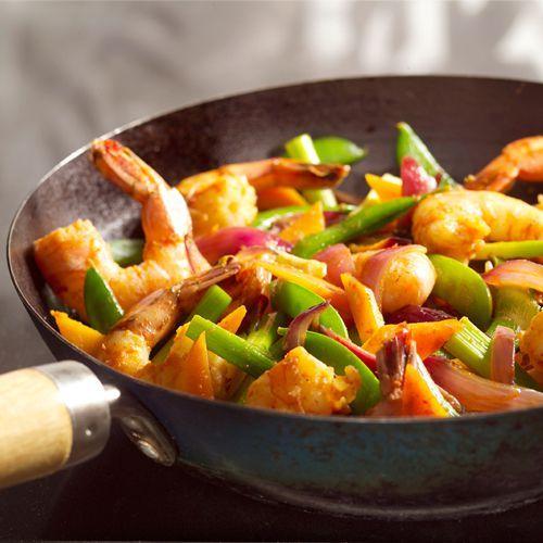 Thaise roerbak met grote garnalen en sugarsnaps - recept - okoko recepten