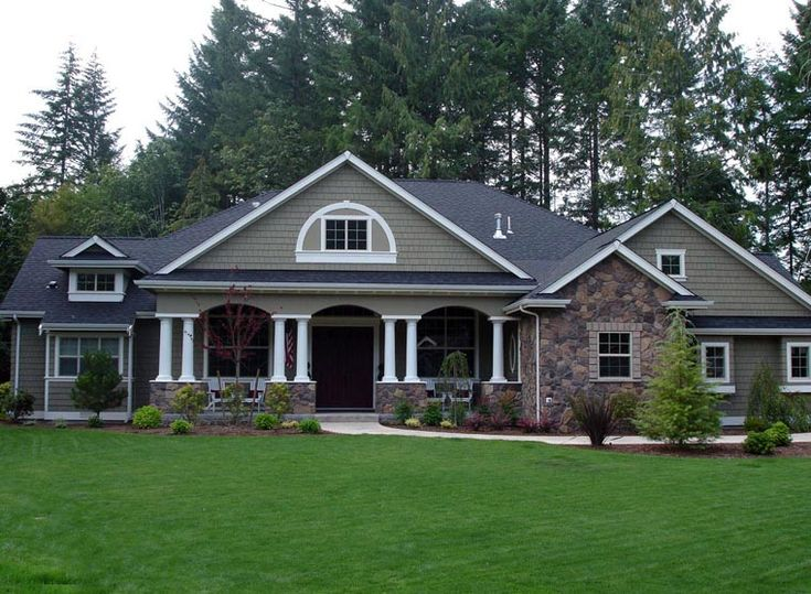 Charming And Spacious 4 Bedroom Craftsman Style Home House Plan Guest Den Could Be In Law Rooms