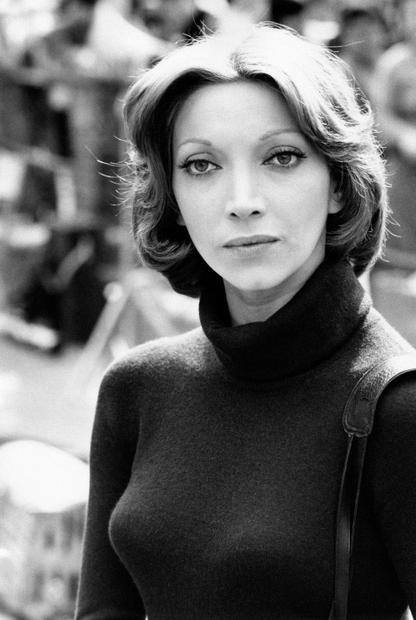 Mariangela Melato a Roma sul set del film Lo chiameremo Andrea (1972) di Vittorio De Sica.