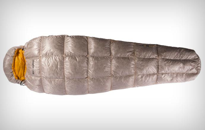 SPARK SLEEPING BAG. Campers, this is it! Check it out on jebiga.com #design #product #sleepingbag #camping