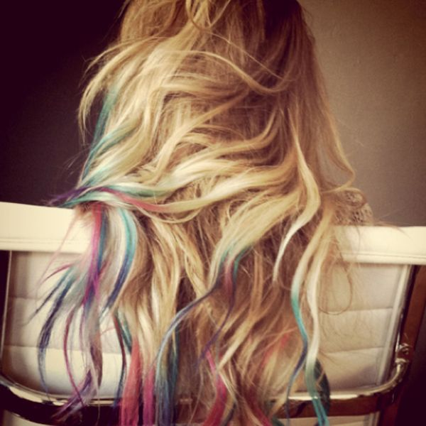 chalk hair highlights. for darker hair, hairspray or wet first. use a non-oil based chalk pastel (5 bucks from Micheal's) and in a downward motion, rub chalk onto the desired strand. after your done, straiten or curl hair to lock the color. washes out in the shower! enjoy!