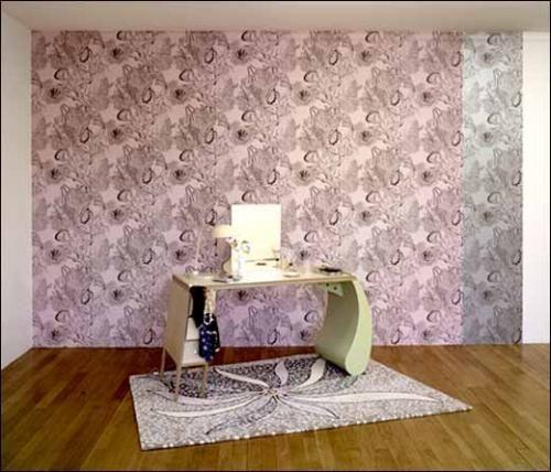 Marc Camille Chaimowicz, <em>Dressed & Undressed</em> (vue de l'installation), Triple V, Dijon, 2009.<br><br>Photographe: André Morin, ©Marc Camille Chaimowicz