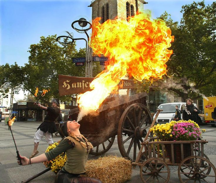 Feuershow auf dem Dortmunder Hansemarkt 2012