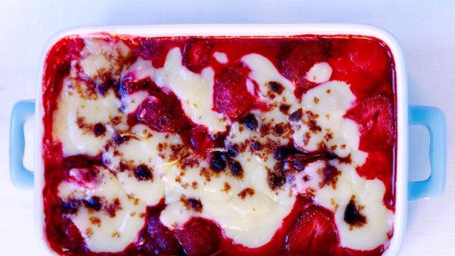 Deser z mrożonych truskawek