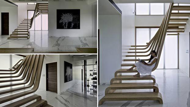 Scala in legno per interni moderna a Mumbai