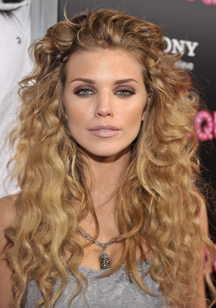 AnnaLynne McCord - She's got the best hair in the biz