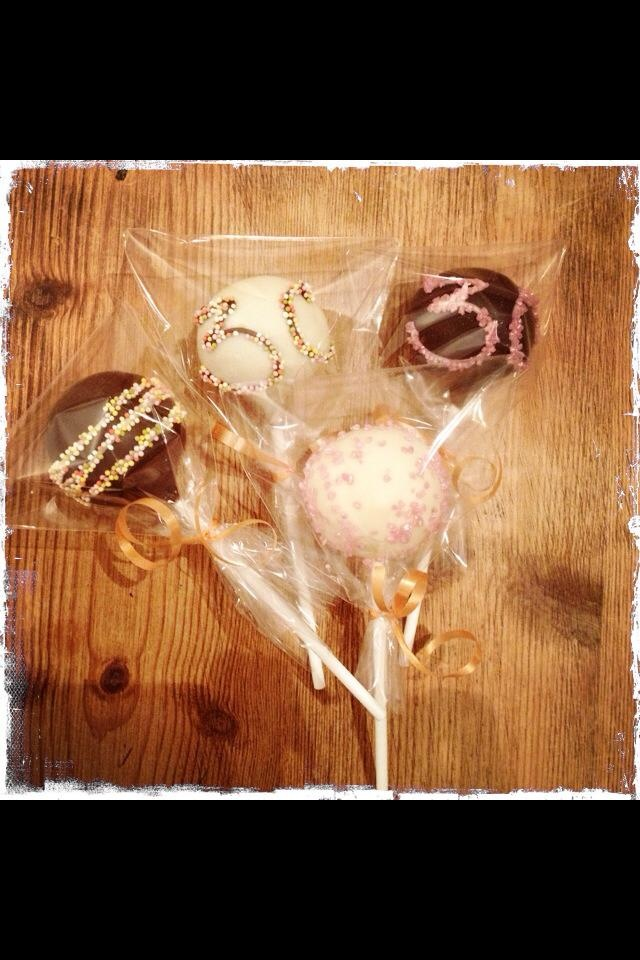 Numbered piped 30th bday cake pops
