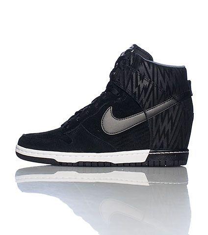 black nike high top sneakers for women