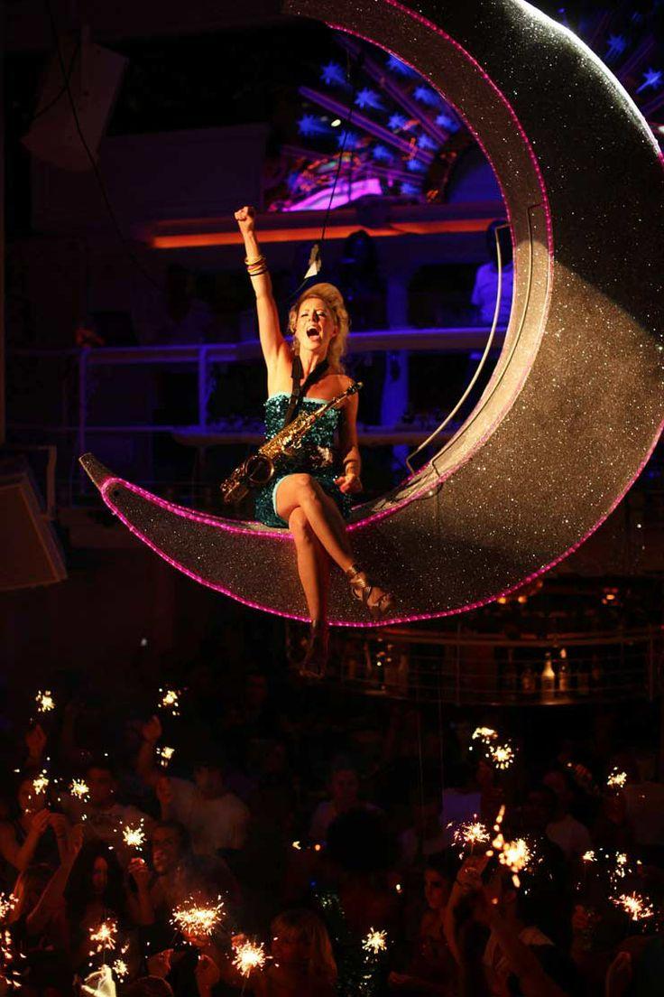 The Honest Group – Ibiza – Hed Kandi – Discos Revenge – Nightclub Design and Dressing – Moon Prop