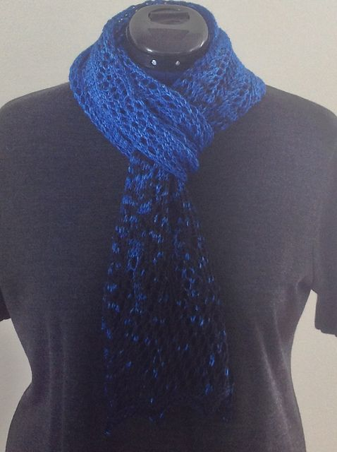 Ravelry: theyarngoeson's Blue Crush Scarf