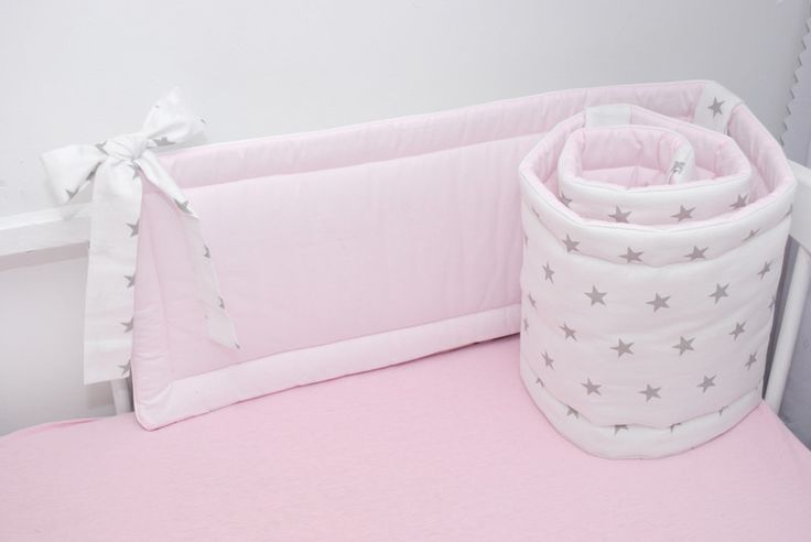 99 Ochraniacz do łóżeczka gwiazdki z różem - LoveWhite - Ochraniacze do łóżeczka