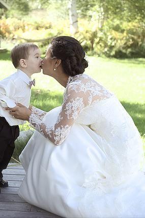 Mor og søn, før mor skal giftes med far <3