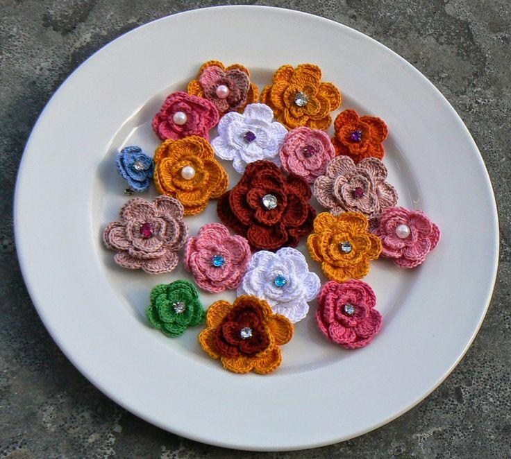 Gehaakte bloemen broches  - Crochet Flower Brooches
