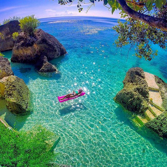 Where privacy is a luxury you can have for 3 bucks a day pass Cancuaay Private Beach - Oslob,Cebu, Philippines Tag someone you love!  #regram #colormesummer #deluxefx