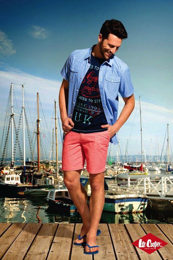 Rochii si salopete din denim, pantaloni scurti colorati, costume de baie insotite de accesorii complementare - toate acestea sunt piesele cheie ale colectiei de vara Lee Cooper 2014.  http://leecooper.ro/#/colectii