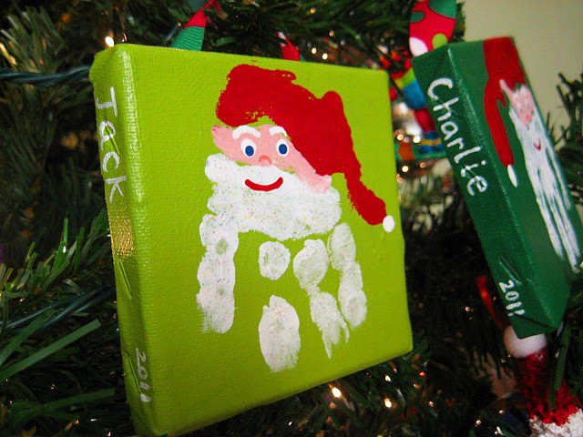 Christmas canvas. this is a cute idea :)