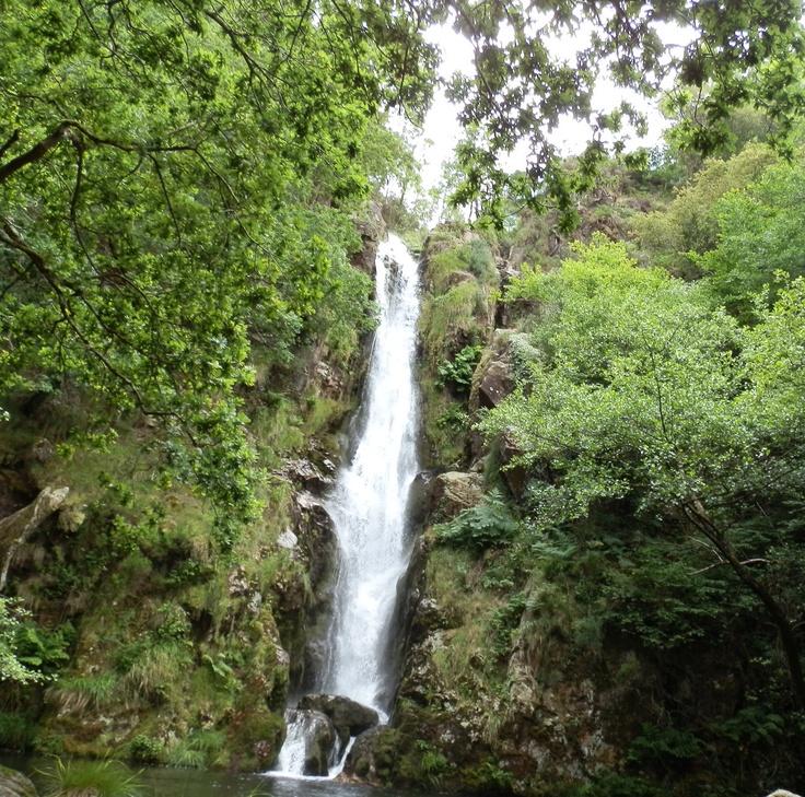"""Waterfall of """"Pozo da Ferida"""" Cascada de Pozo da Ferida"""