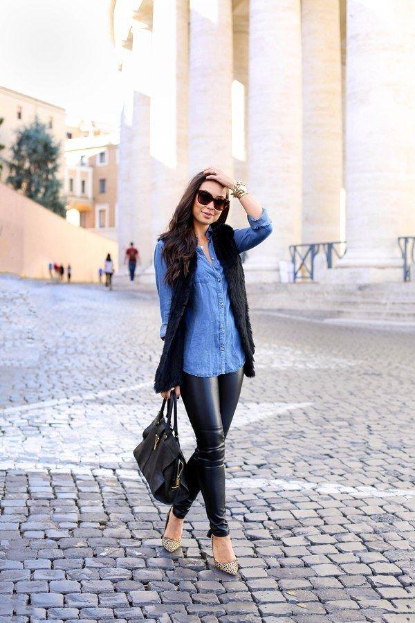 Jeanshemd kombinieren: Mit Lederleggings und Pumps wirds elegant