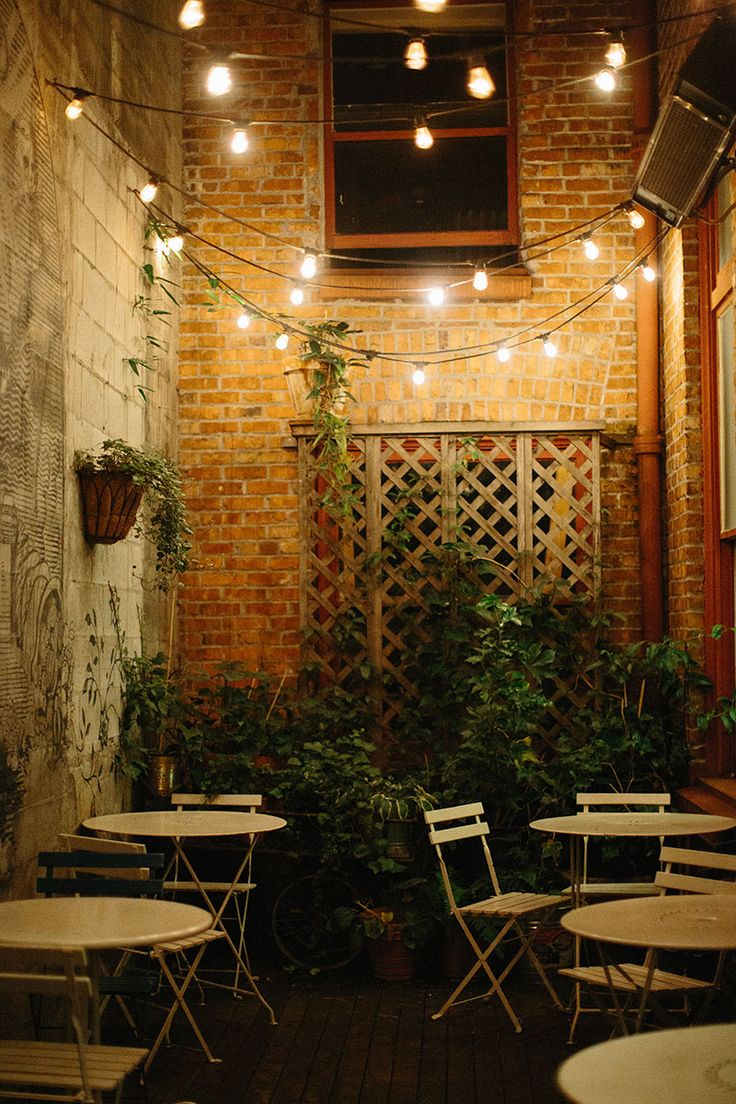 loving the string lighted patio at oddfellows cafe in seattle seattle cafe theeverygirl - Multi Cafe Decoration
