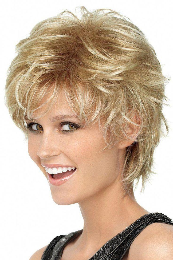Curly Pixie Cut | Süße kurze Frisur Ideen | Kurze aber stylische Frisuren 20190803 - #curly #hairstyle #ideas #pixie #short