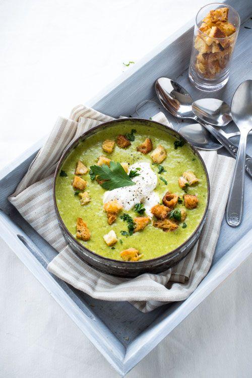Soupe de Fanes de Carottes au fromage à tartiner - PRO avec vous -#cuisine #récup #leftovers