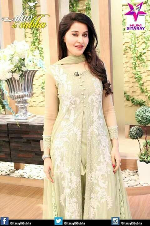 Pin by Aisha Baig on Morning show hosts dresses | Pinterest