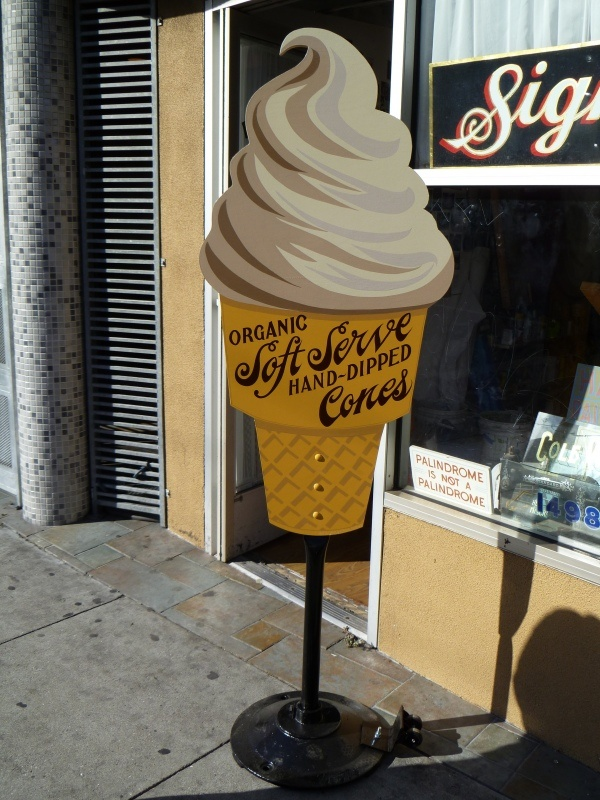 Super Duper cone. This is a new sign, but soooo nice.