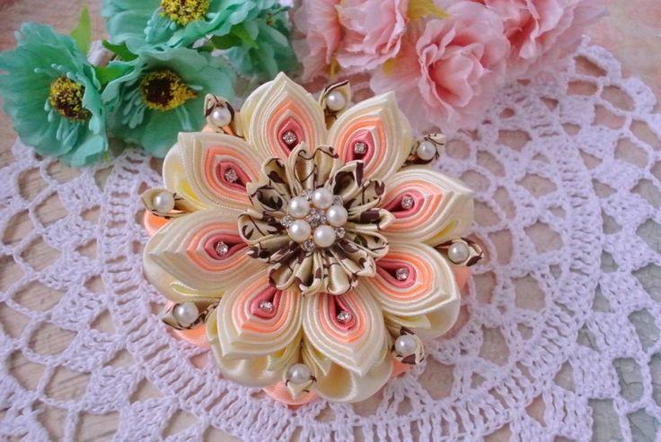 канзаши, цветок из лент, фомина. многослойный цветок.