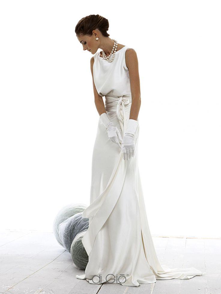 New model of the Classic Collection   Nuovo modello della Collezione Classica   #lesposedigio #bridaldress #maadeinitaly   lesposedigio.com