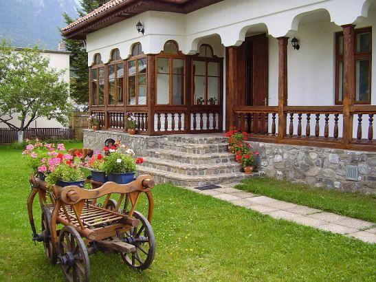 adelaparvu.com despre vila in stil neoromanesc la Busteni restaurare Axa Construct (4)
