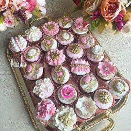 Десертный стол. Десерт Дамский